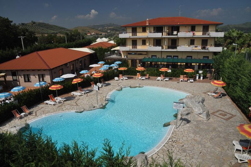 HOTEL ARTEMIS***